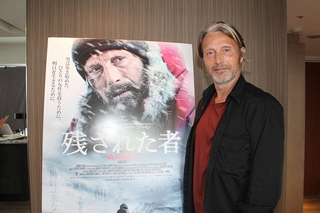 北極に不時着、マイナス30度、吹雪、飢え、絶望……マッツ・ミケルセンが体感した極限世界