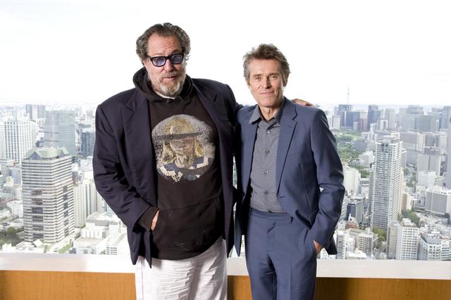 30年来の付き合いだというウィレム・デフォー(右)とジュリアン・シュナーベル