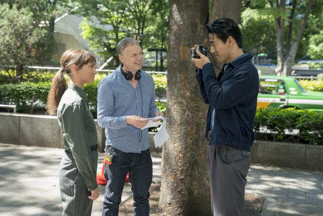 「アースクエイクバード」監督が小林直己のスター性を大絶賛!「世界中に素晴らしい才能を見てほしい」