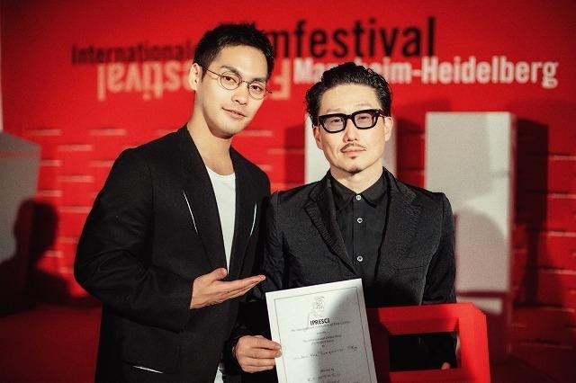 柳楽優弥×KENTARO監督「ターコイズの空の下で」ドイツの映画祭で2冠!