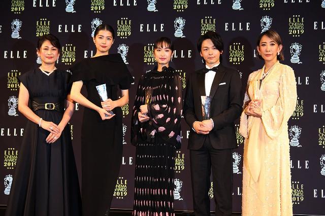 中村倫也、大活躍だった2019年を振り返る 恋愛ドラマの三角関係に絡む役に喜び
