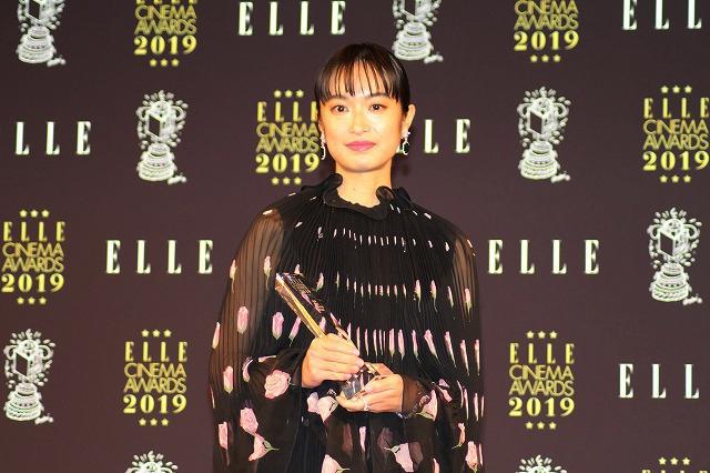 中村倫也、大活躍だった2019年を振り返る 恋愛ドラマの三角関係に絡む役に喜び - 画像2