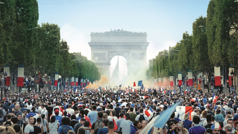仏大統領が即反応 ユゴー傑作の舞台、パリ郊外の町の現実を描いた「レ・ミゼラブル」予告編