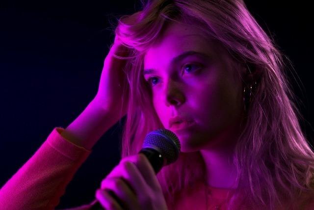 「ティーンスピリット」で歌唱トレーニングを重ねたエル・ファニング初のMV公開