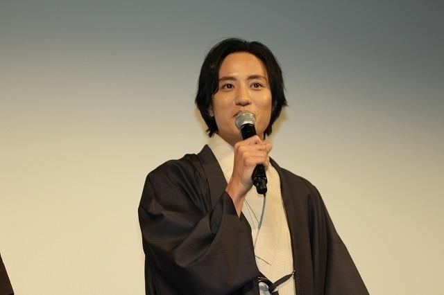 宮沢氷魚、芝居の初キスは同性カップル演じた藤原季節!「杏さんより先」 - 画像4