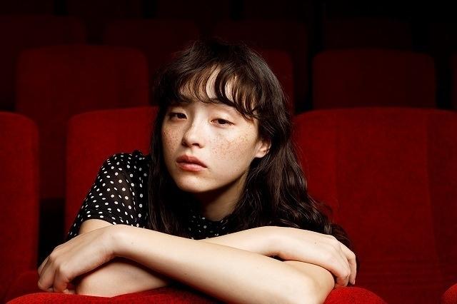 モトーラ世理奈は「撮りたいと思わせる存在」 諏訪敦彦監督作「風の電話」で放った求心力 - 画像7