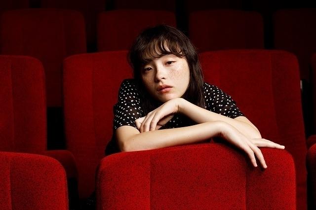 モトーラ世理奈は「撮りたいと思わせる存在」 諏訪敦彦監督作「風の電話」で放った求心力 - 画像9