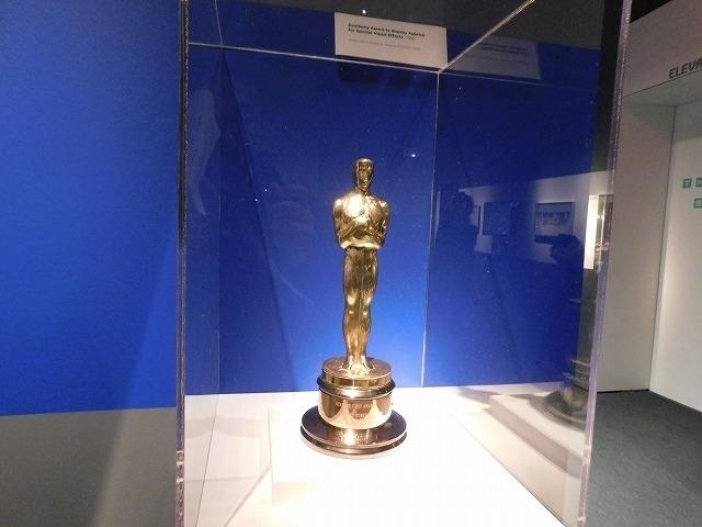 第41回アカデミー賞特殊視覚効果賞のオスカー像