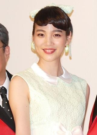 のん、6年ぶり実写映画「気合いが入った」 藤圭子さん「新宿の女」弾き語りを述懐