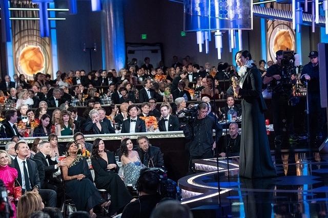オークワフィナは「フェアウェル」で主演女優賞(コメディ/ミュージカル)を受賞
