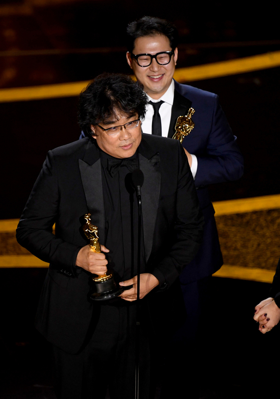 脚本賞はポン・ジュノ、ハン・ジヌォン
