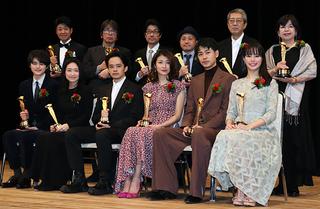 池松壮亮、キネ旬主演男優賞で30代の新たな誓い「映画が先に進めるよう精進」