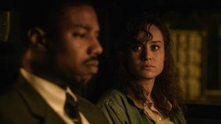 無実の黒人はなぜ死刑囚になった? 「黒い司法」マーベル俳優の共演シーン入手
