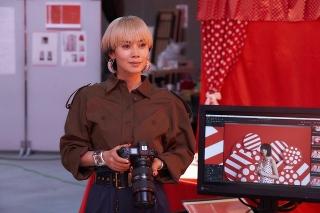 こだわりのファッション&美術で描かれるTOKYOライフ 蜷川実花「FOLLOWERS」メイキング映像
