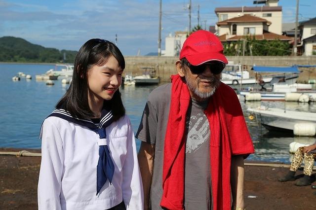 大林宣彦監督が見初めた新人女優・吉田玲とは? 「海辺の映画館」メイキング写真公開