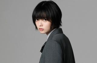 平手友梨奈、欅坂46脱退後初の映画出演!「さんかく窓の外側は夜」で呪いを操る女子高生に