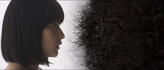 口から花、絡み合う女性たち 身体感覚を刺激する吉開菜央特集上映予告編 - 画像7