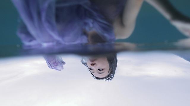 口から花、絡み合う女性たち 身体感覚を刺激する吉開菜央特集上映予告編 - 画像4