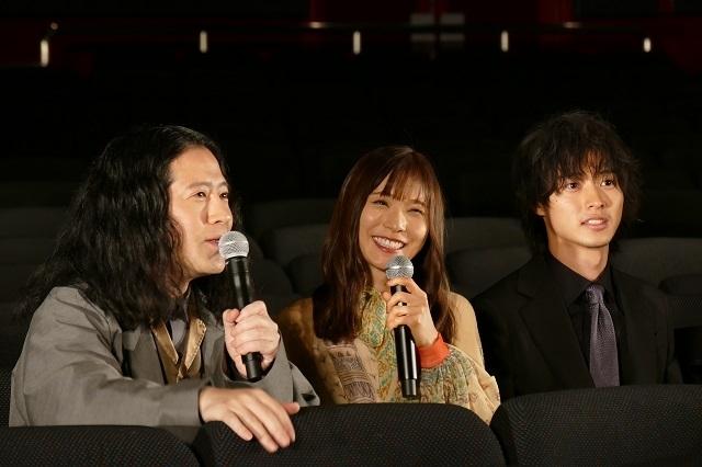 会見した(左から)又吉直樹、松岡茉優、山崎賢人
