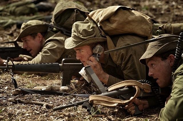 オーストラリア軍108人が南ベトナム解放民族戦線2000人と対峙した伝説の戦闘を描く