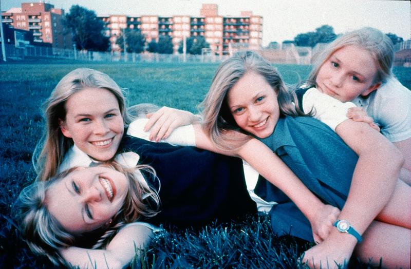 「ヴァージン・スーサイズ」20周年、エル・ファニングがインスタで「姉妹と隔離生活したい」