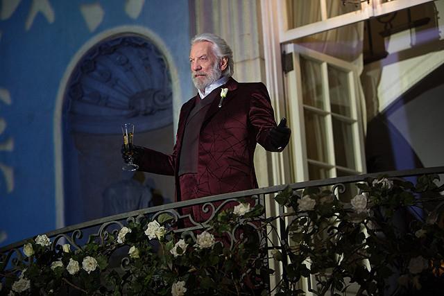 ドナルド・サザーランドが演じたスノー大統領の若き日を描く