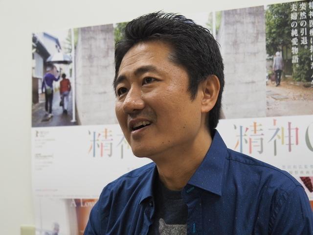 ニューヨークを拠点に活動している想田和弘監督