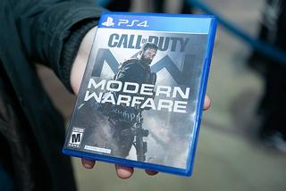 米抗議デモの影響で、戦争題材の大ヒットゲーム「コール・オブ・デューティー」最新作のリリース延期