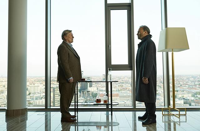 「コリーニ事件」緊迫の冒頭映像公開 高級ホテルに現れた男が殺人を告白