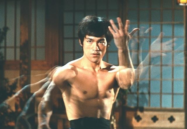 「ドラゴン怒りの鉄拳」