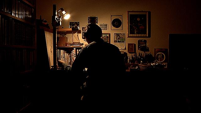 孤独でささやかな映画作りの過程が大きな宇宙へとつながっていく