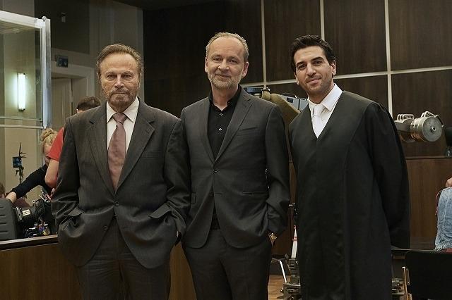(左から)フランコ・ネロ、フェルディナント・フォン・シーラッハ、エリアス・ムバレク