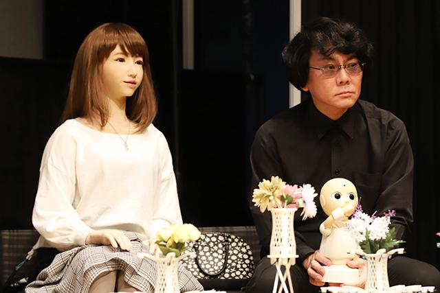 主演するERICAと開発者の石黒浩氏