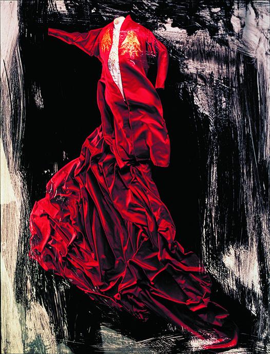 石岡さんが第65回アカデミー賞を受賞した映画「ドラキュラ」(フランシス・F・コッポラ監督、1992年)衣装デザイン