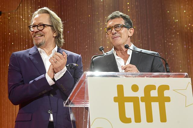 トロント映画祭は映画館×オンラインのハイブリッドで開催