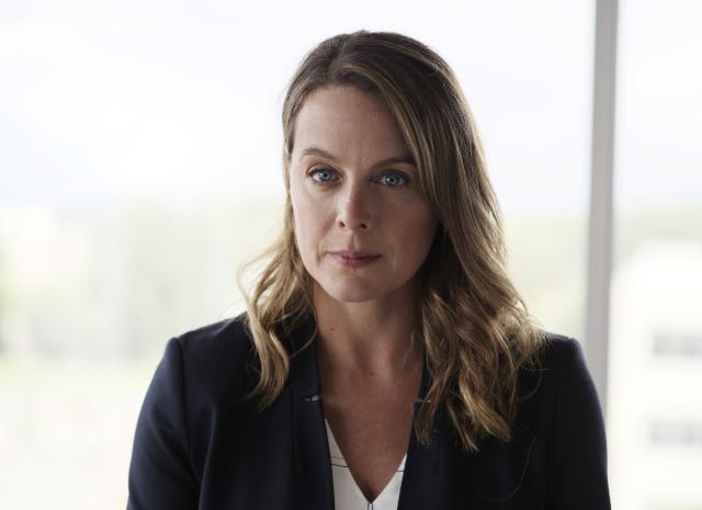 緊急衛生研究所所長を演じたフランス系カナダ人女優ジュリー・ルブレトン