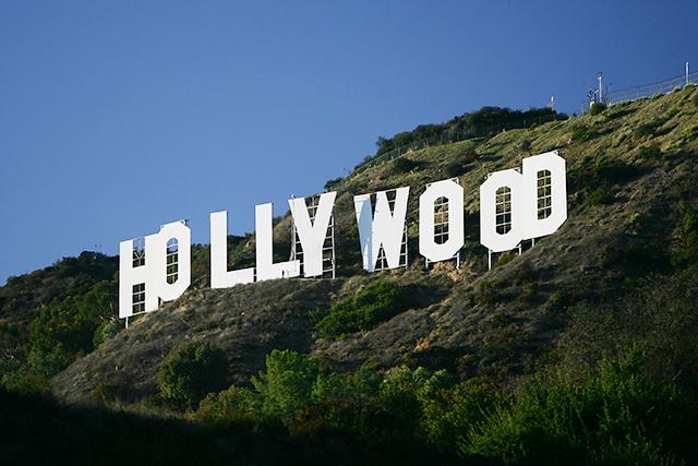 映画・テレビ番組の製作に携わる人は「レベル3」か「レベル4」に該当か