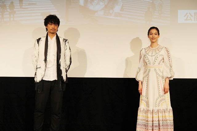 岩井俊二監督によるリモート製作ドラマをもとにした映画「8日で死んだ怪獣の12日の物語」