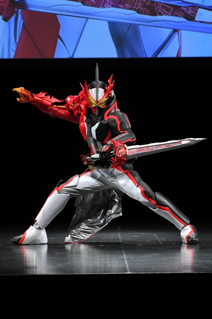 新仮面ライダーは文豪にして剣豪、異世界でバトル 「仮面ライダーセイバー」9月6日スタート