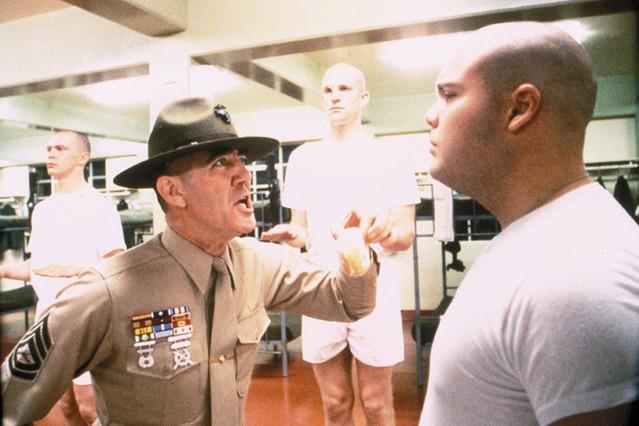 【「フルメタルジャケット」評論】ベトナム戦争映画の枠には収まらない、人間の本質を描いたキューブリック至高の一作