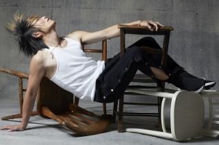 「谷山紀章、44歳にして脱ぐ!」 別冊「VOICE STARS」レスリー・キー撮影の先行カット公開