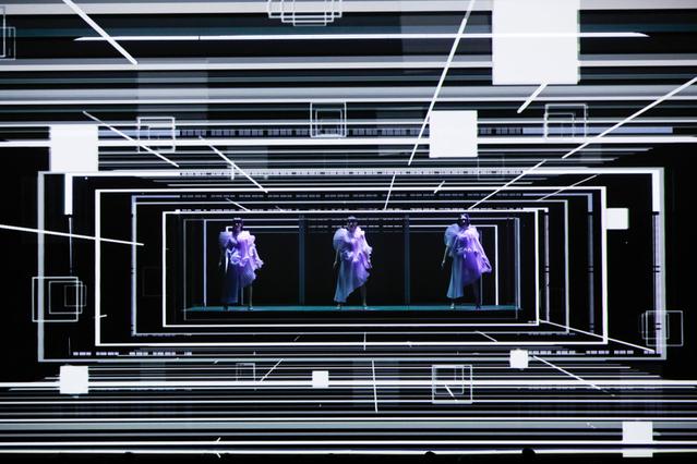 デジタル技術を駆使したアート演出が話題を呼んだコンセプトライブ「Reframe 2019」