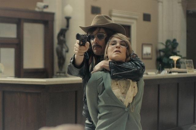 ハイテンションな強盗犯を演じたイーサン・ホーク