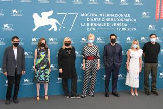 第77回ベネチア映画祭が開幕 厳重なコロナ対策の中ケイト・ブランシェットらゲストが到着