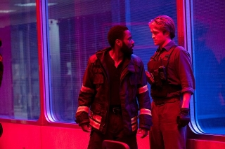 "IMAX版「TENET テネット」ノーラン監督ならではの""究極の映像体験""に酔いしれる"