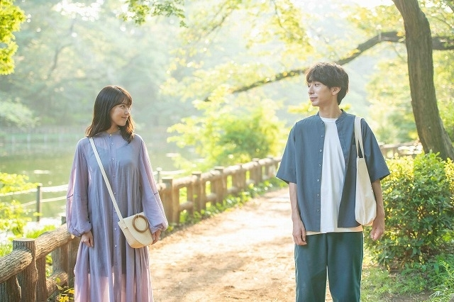 有村架純と椎木知仁が、緊急事態宣言明けに映画館へ向かうカップルに!