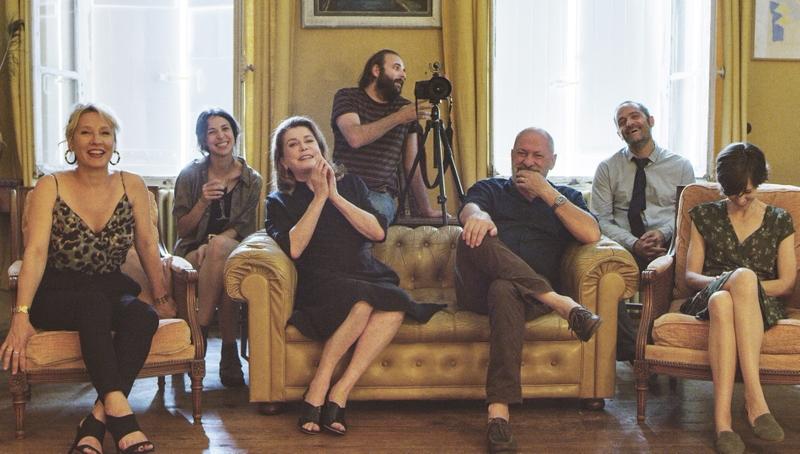 カトリーヌ・ドヌーブ主演、仏名優陣のアンサンブルが楽しめる家族ドラマ「ハッピー・バースデー」公開