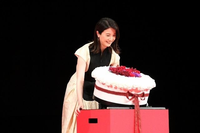 横浜流星、吉高由里子が仕掛けたバースデーサプライズに大喜び!「こんなに幸せなことはない」 - 画像4