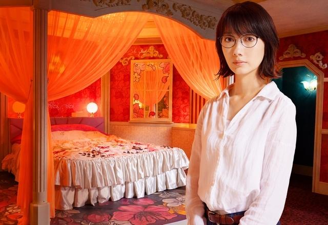天蓋付ベッド、浴室に鶴…実在した釧路のラブホを再現 波瑠主演「ホテルローヤル」絵コンテ公開 - 画像1