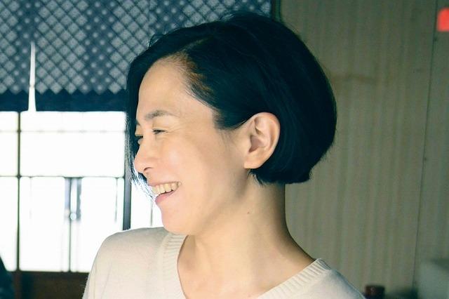 坂井真紀、井ノ原快彦の人柄を絶賛「いつも心が温まる」 「461個のおべんとう」インタビュー映像